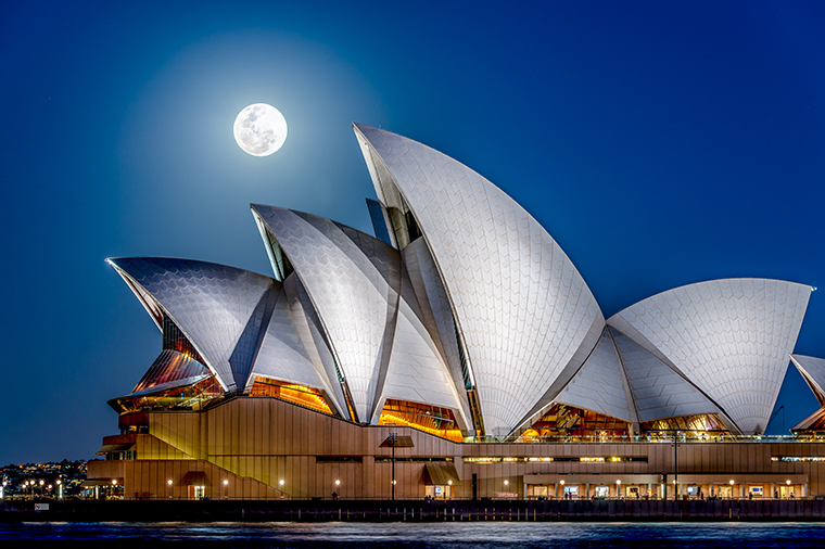 Below-The-Moon-Full-moon-over-the-Sydney-Opera-House